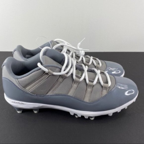 Retro Low Cool Grey Cleats Size